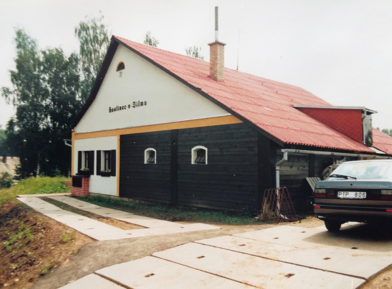 Hostinec v Jilmu v 90. letech